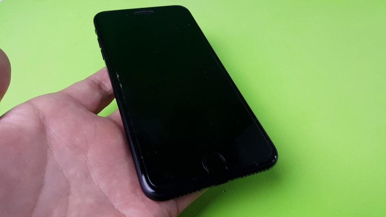 iphone 7 black screen